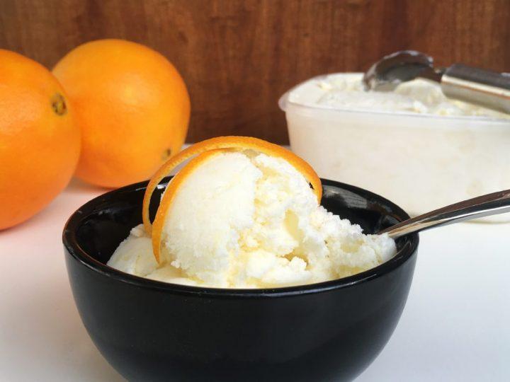 Orangenjoghurteis
